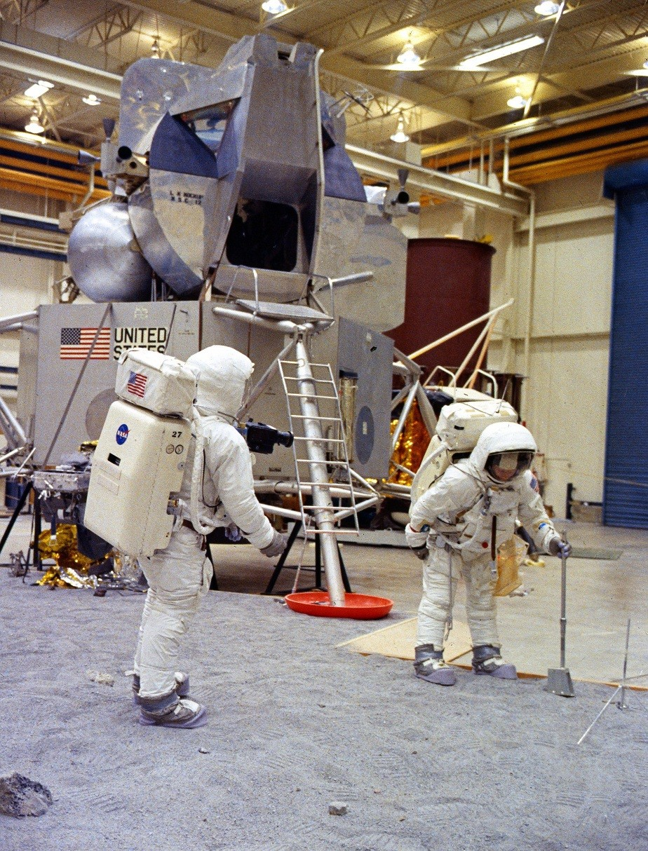 Apollo_11_training_in_Houston.jpg