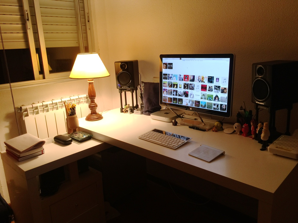 5 Tips For Setting Up Your Home Office for Sanity and Productivity